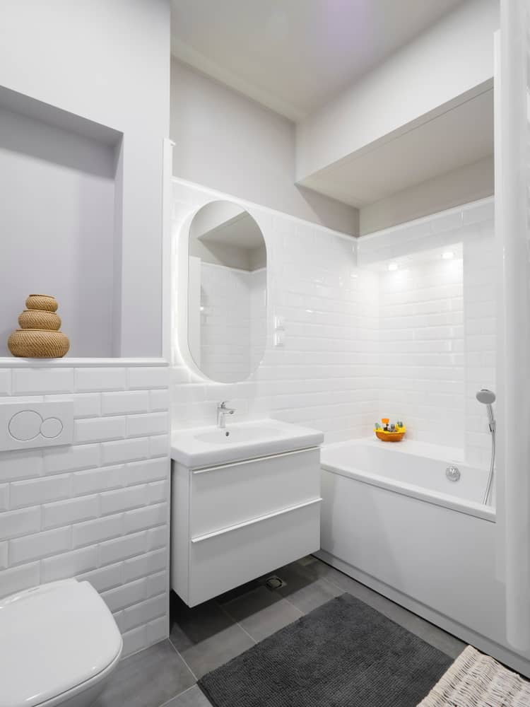 Full Bathroom With Tub 3