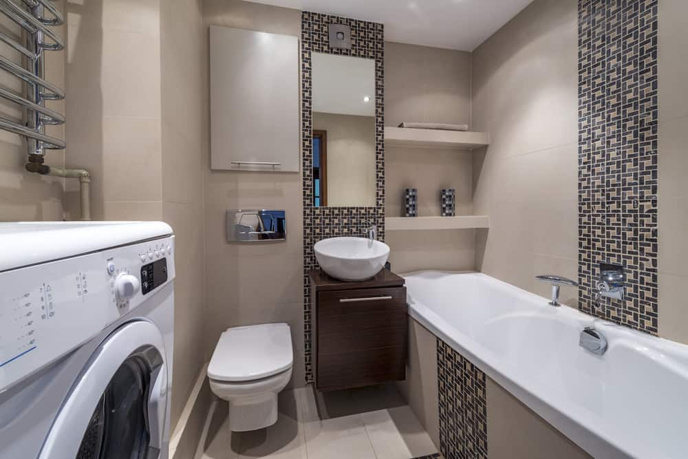 Full Bathroom With Tub 5