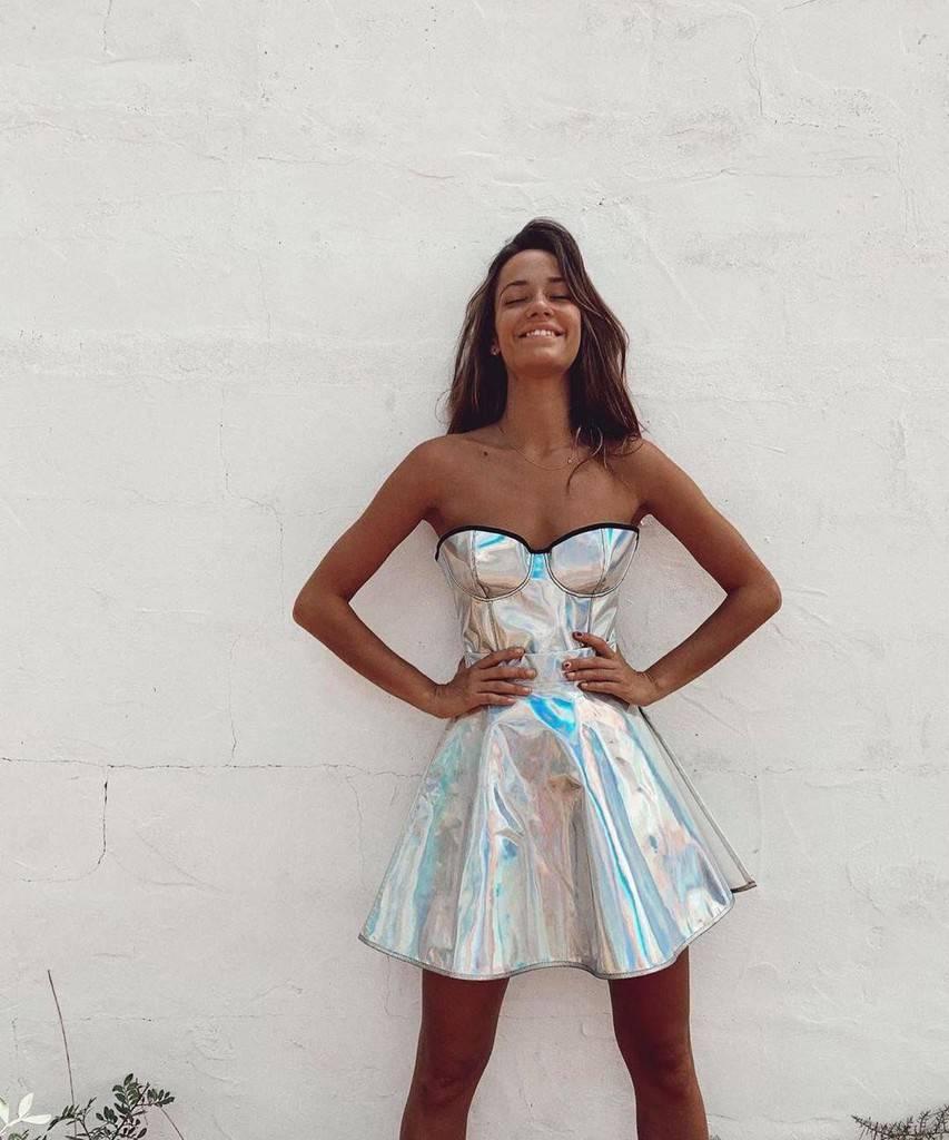 robe de soirée en tissu irisé de mode futuriste