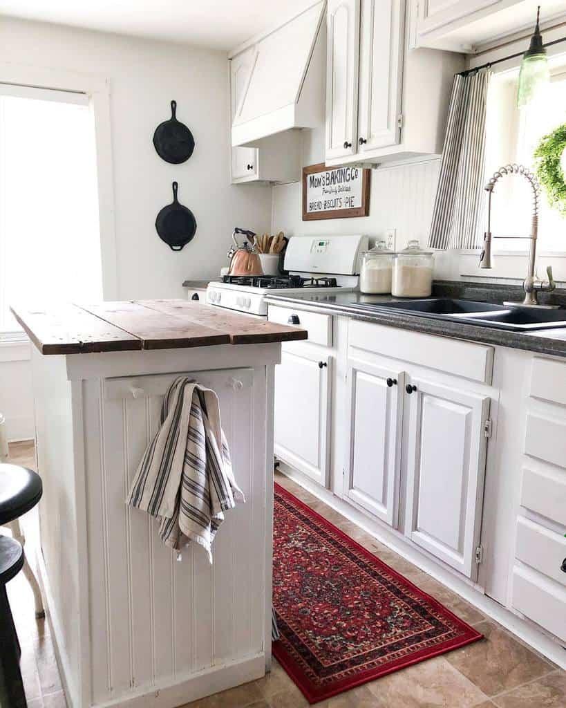 galley farmhouse kitchen ideas sunshine_valley_farmhouse
