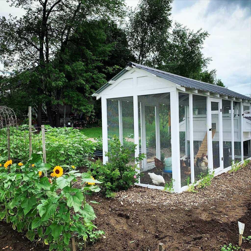 garden chicken coop ideas 2 the_heritage_nest