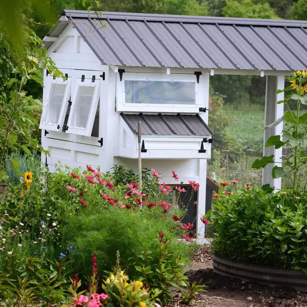 garden chicken coop ideas 3 the_heritage_nest