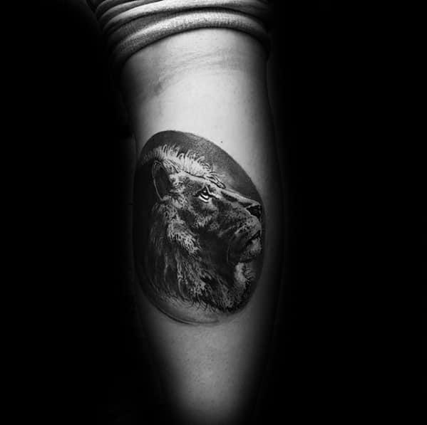 Gentleman With Circular Leg Calf Lion Head Tattoo