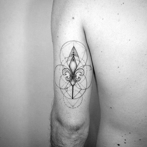Gentleman With Incredible Geometric Tricep Back Of Arm Tattoo