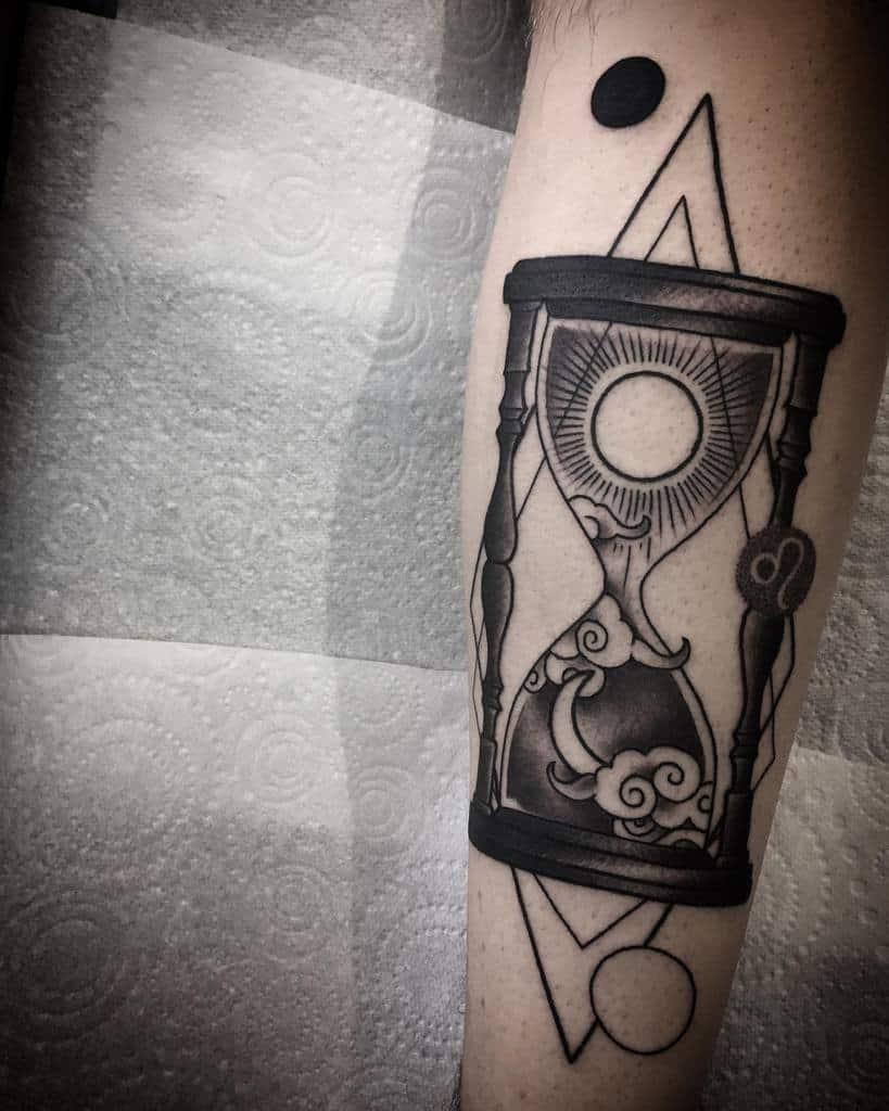 geometric-hourglass-sun-and-moon-leo-tattoo-jean_hackman13