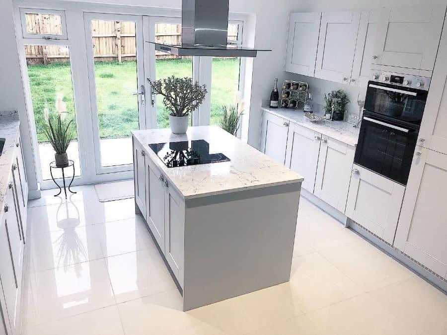 gloss kitchen tile ideas our_cheshire_berrington