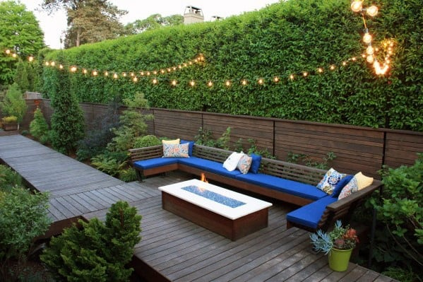 Good Ideas For Floating Deck With Built In Sitting Area