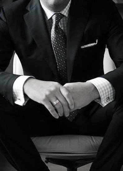 Great Black Suit Styles For Men With Checkered White Dress Shirt
