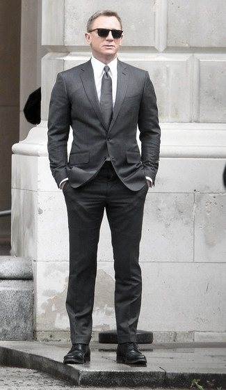 Great Charcoal Grey Suit Black Shoes Styles For Men
