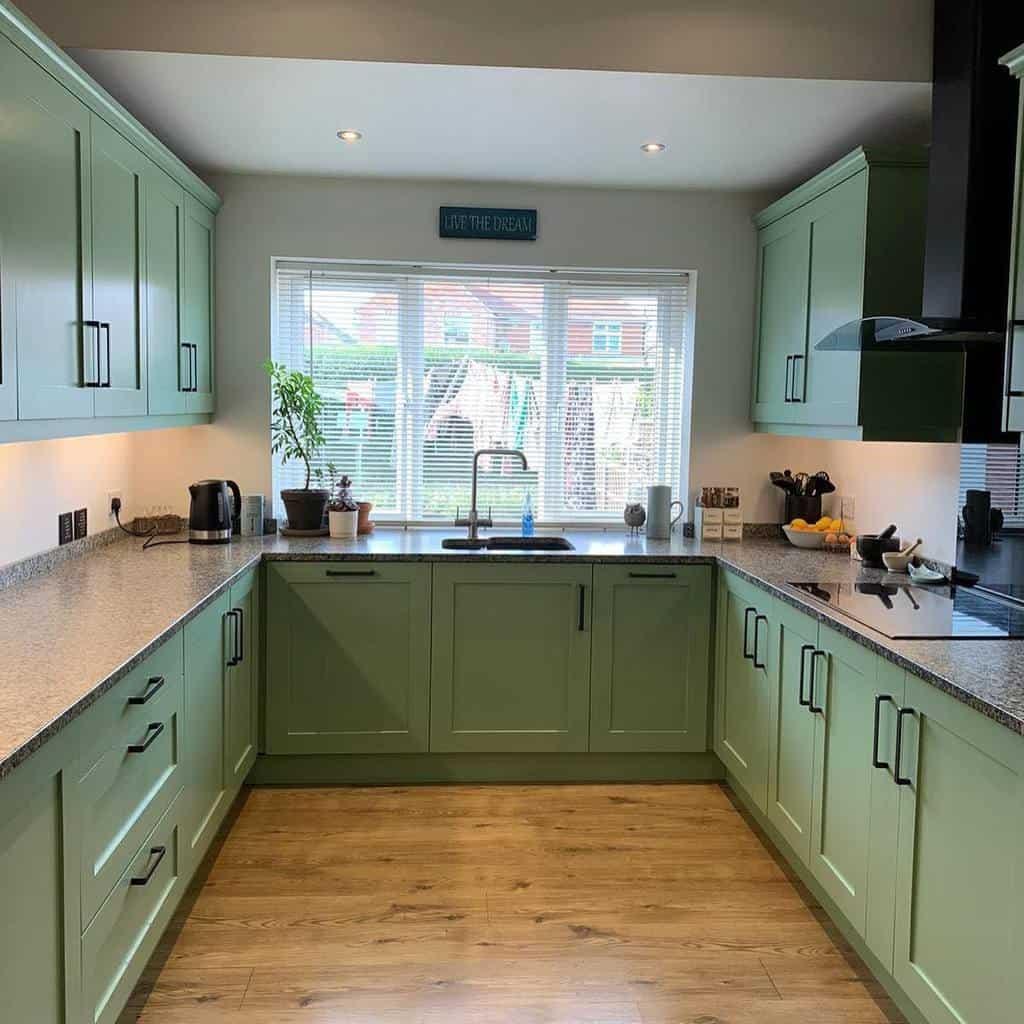 green kitchen color ideas countryhomeinteriors