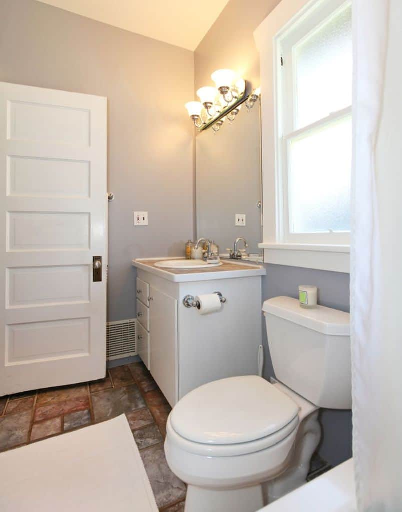 Grey Small Bathroom Paint Ideas 3