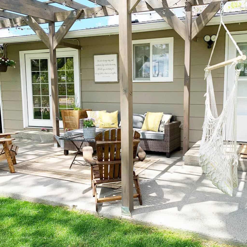 groundlevel patio deck ideas alldolledupem