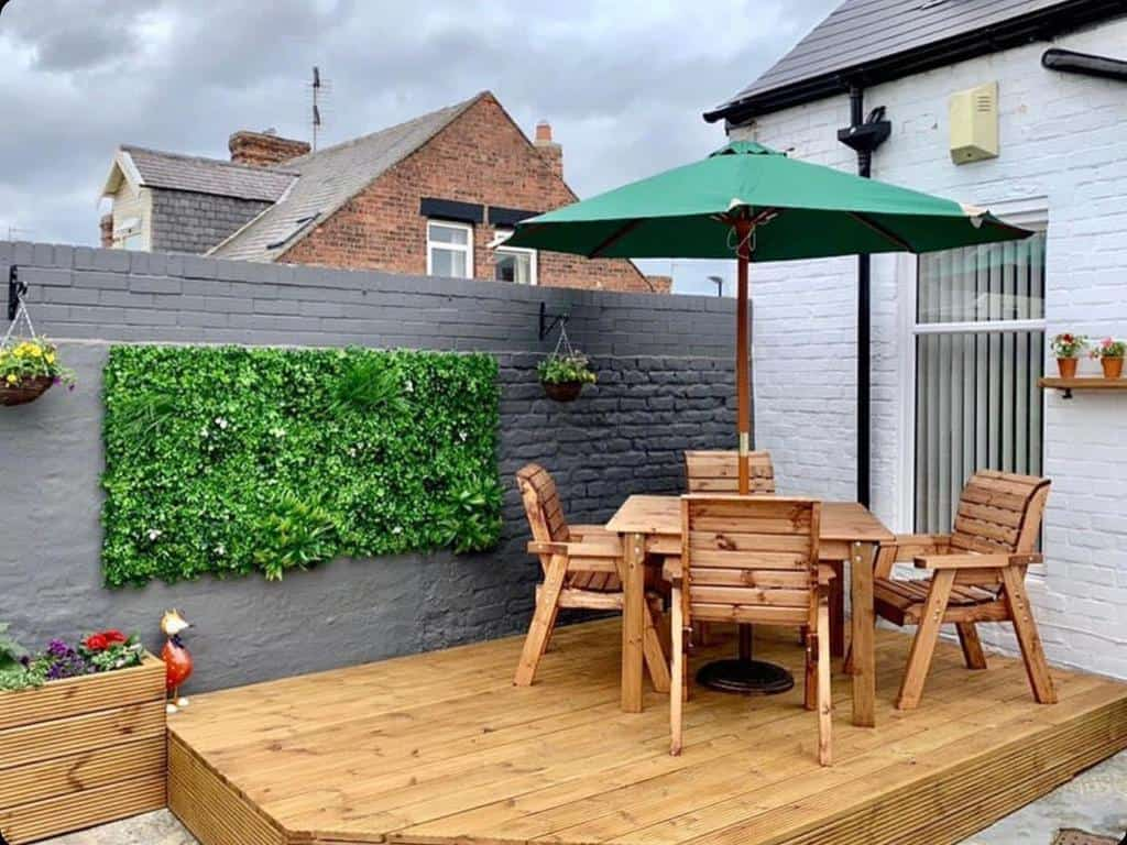 groundlevel patio deck ideas fauxliage_landscaping