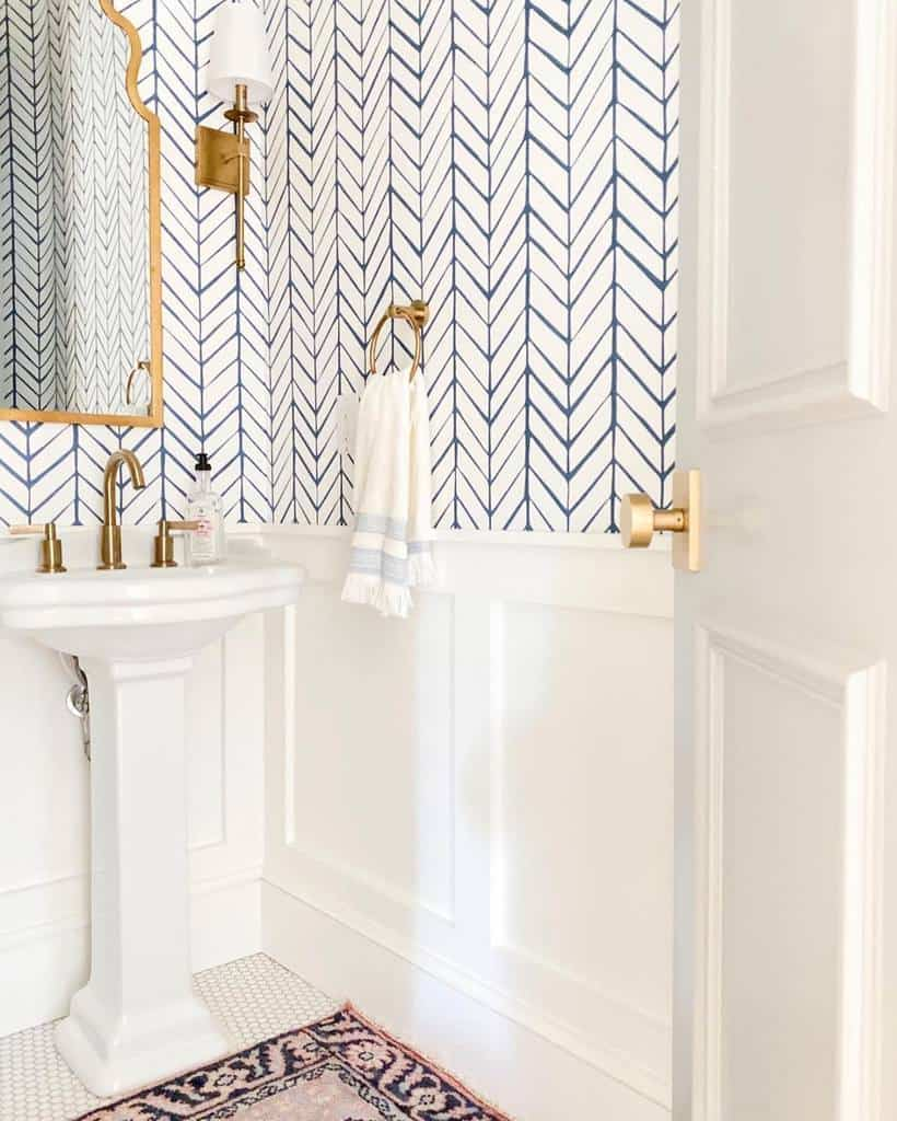 Guest Bathroom Walls Ideas Theredfernhome