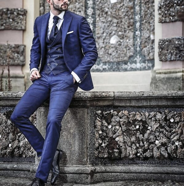Guy Navy Blue Suit Black Shoes Style