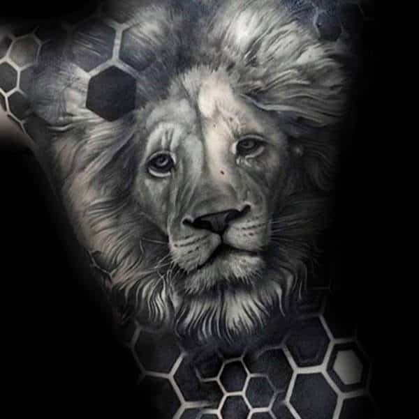 Guy With Amazing Hexagon Geometric Lion Back Tattoo Design