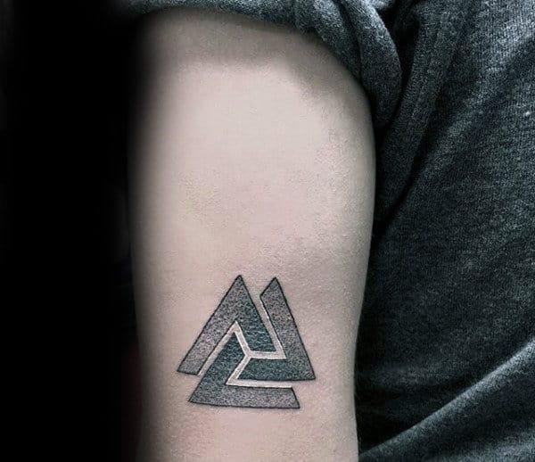 Valknut Kleine nordische Tattoo-Ideen