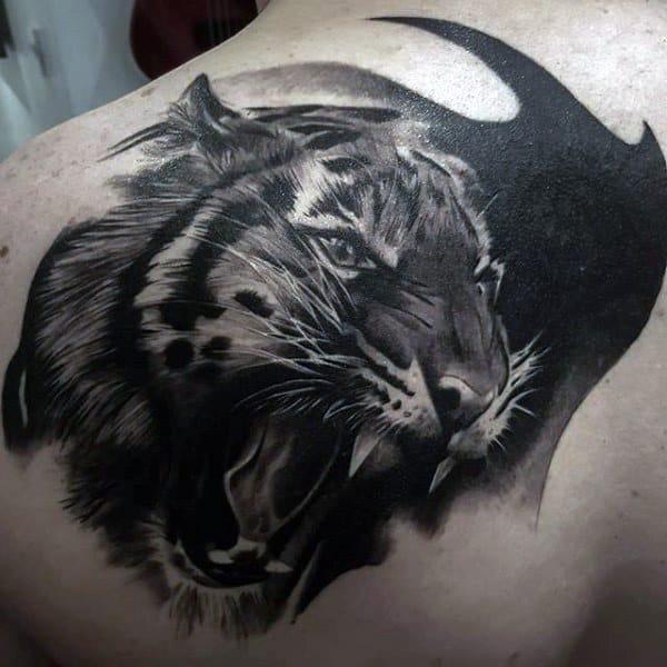 Guys Back Screaming Tiger Tattoo