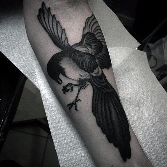 Guys Cool Magpie Tattoo Ideas