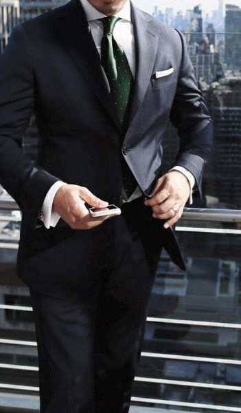 Guys Dapper Style Navy Blue Suit Ideas With Green Tie