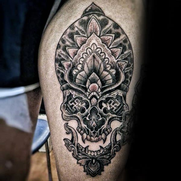 Guys Decorative Amazing Skull Tattoos On Thigh