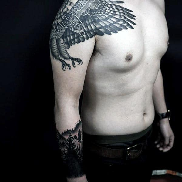 Guys Masculine Diving Eagle Tattoo On Shoulder
