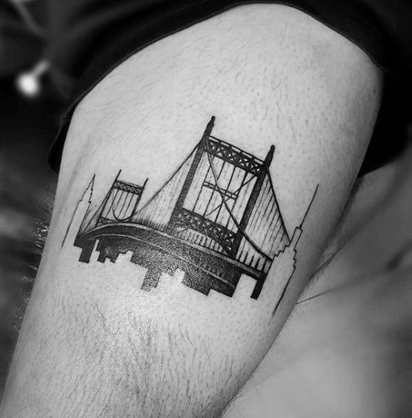 Guys New York Skyline Tattoos On Thigh