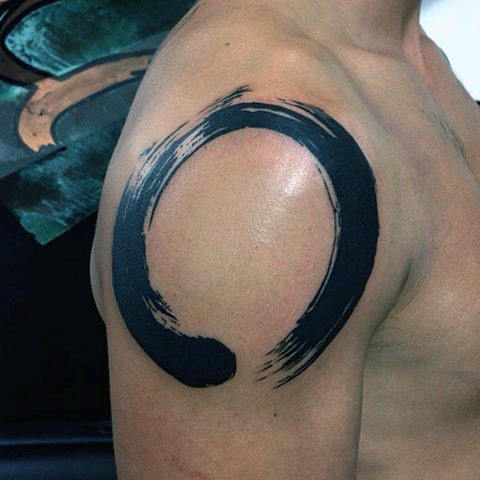 Guys Shoulder Cap Black Enso Circle Of Life Tattoos