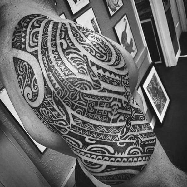Half Sleeve Polynesian Tribal Mens Tattoo Gecko Design