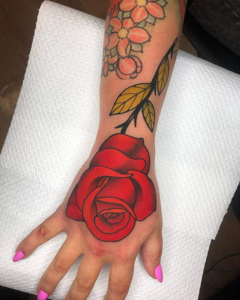 hand red rose tattoos mate_tattooer