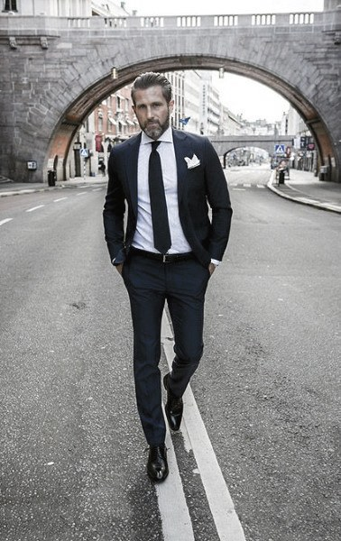 Handsome Navy Blue Suit Style Ideas For Guys