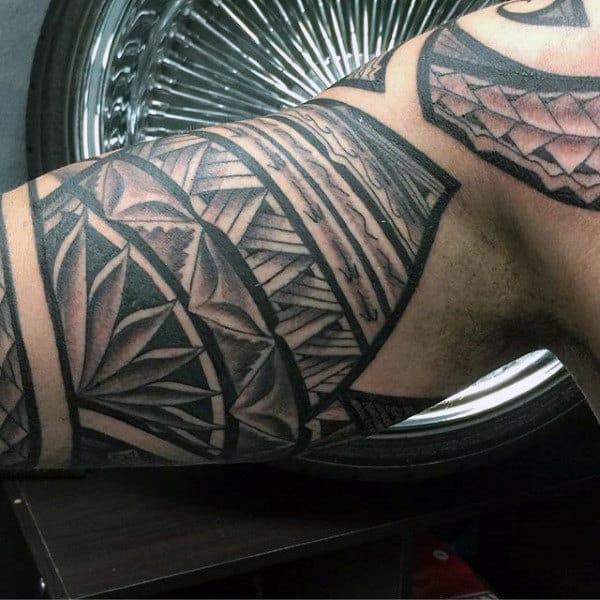 Hawaiian Men's Tattoo Patterns On Bicep