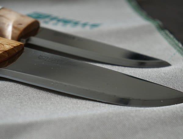 Helle Arv And Utvaer Knives Finely Sharpned Blade Edges