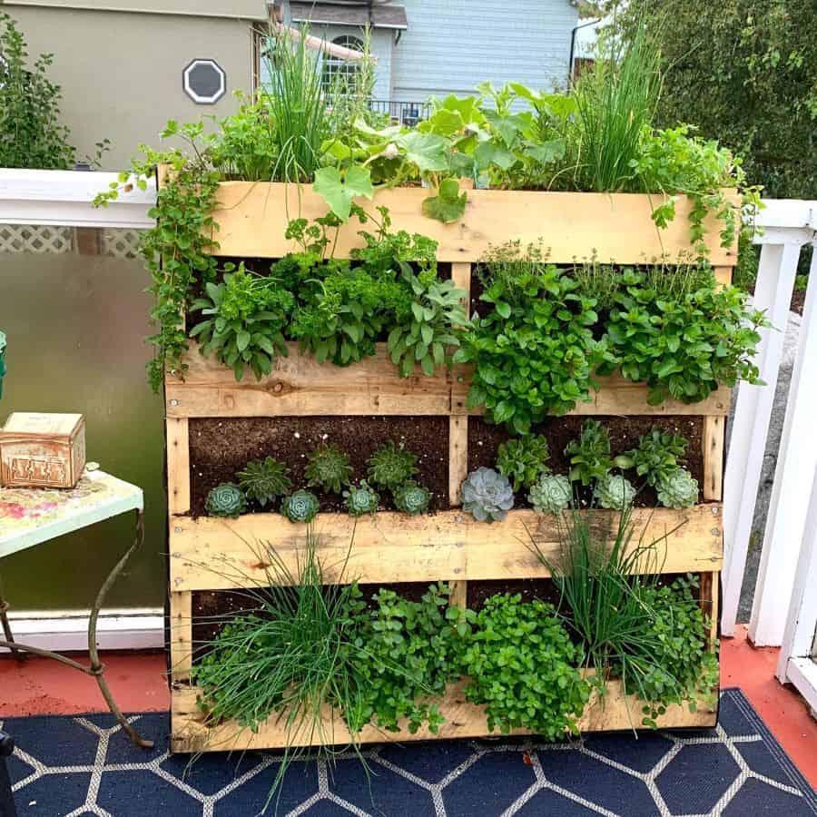 herbs pallet garden ideas 2l8fraser