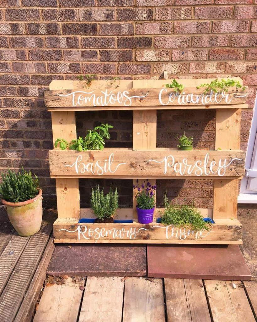 herbs pallet garden ideas gypsy_bellie