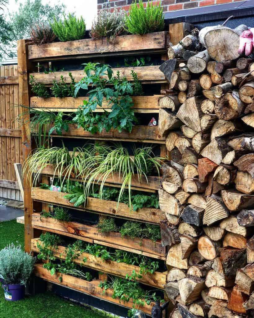 herbs pallet garden ideas plants_and_wine_