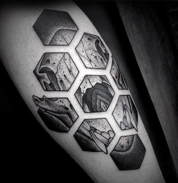 Hexagon Geometric Bear Skull Tattoos For Men On Leg
