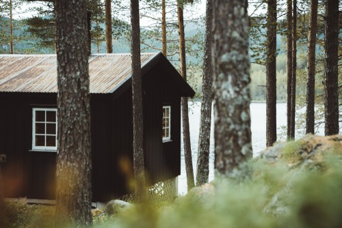 Hide And Seek The Architecture Of Cabins And Hideouts Coffee Table Book