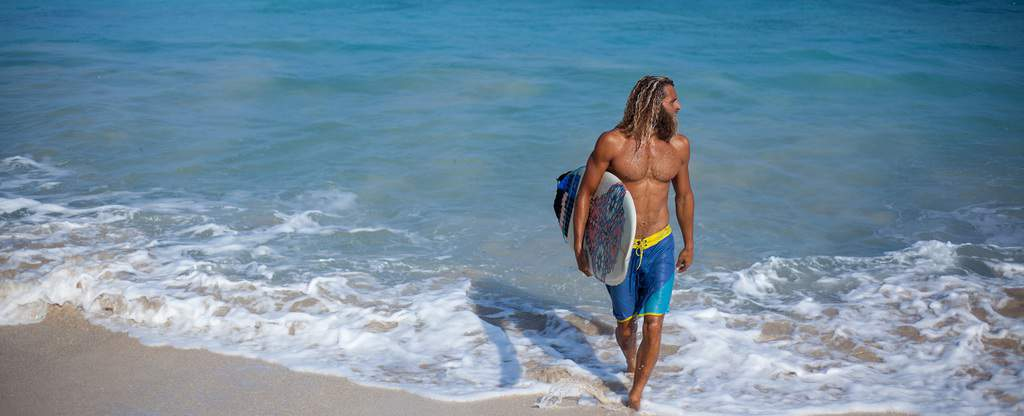 Surfer Style – How to Dress Like a Surfer
