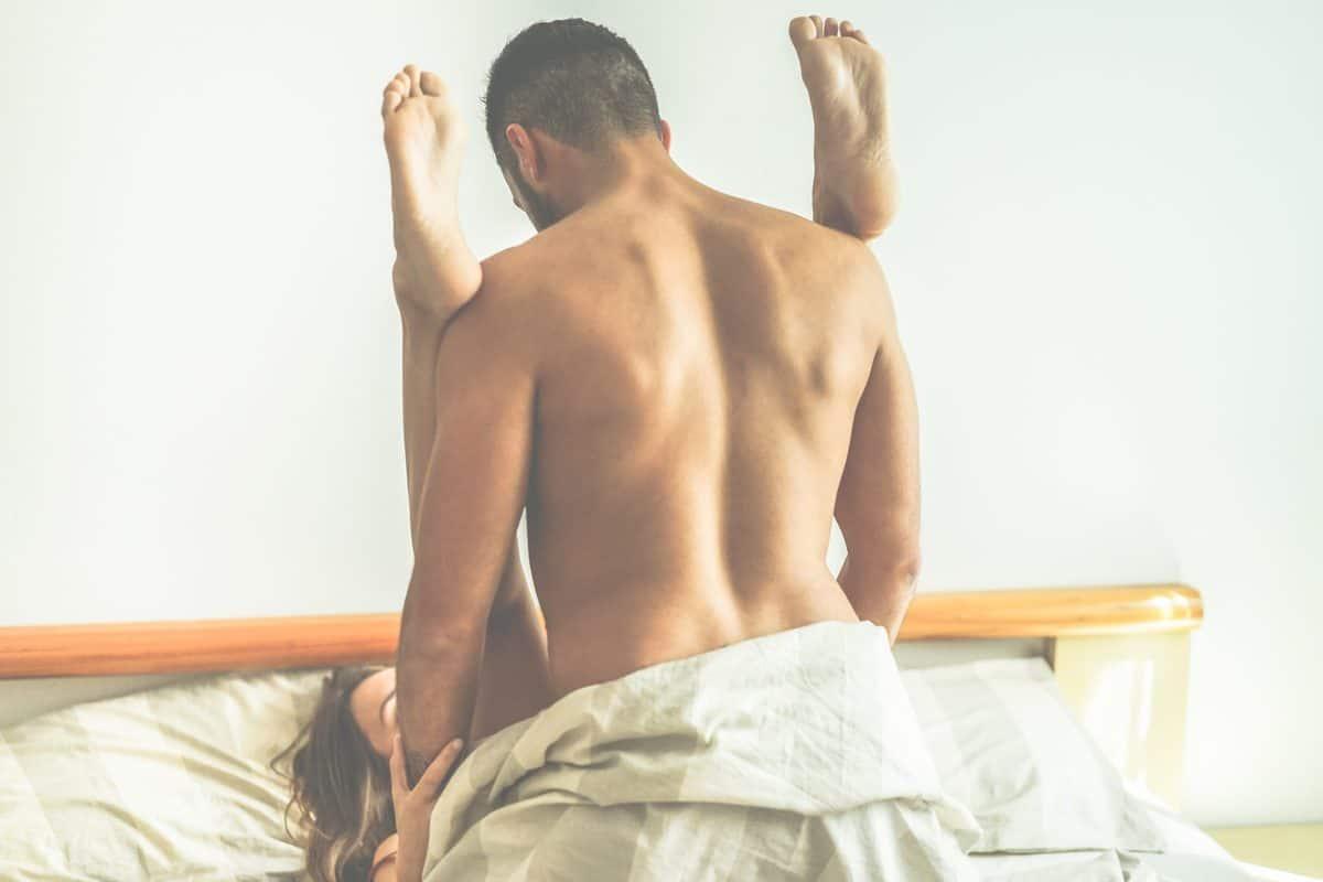 Jung,Paar,Herstellung,Leidenschaftlich,Sex,Im,Hotel,Zimmer,-,Hübsch