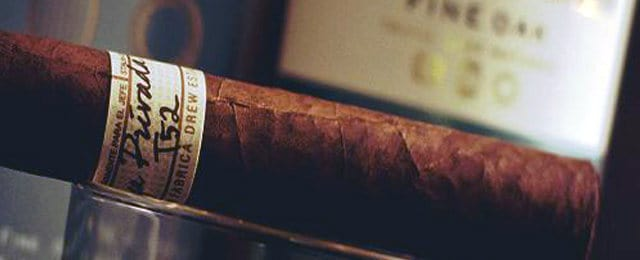 How To Smoke A Cigar Like An Aficionado