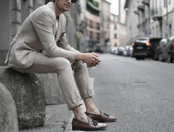 How To Stay Cool In A Suit For Men Go Sockless