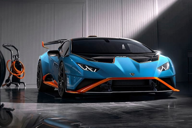 Lamborghini Impress with the Huracán STO