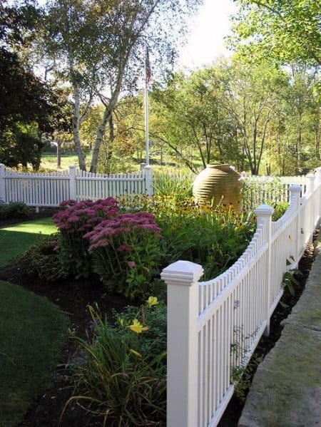 Impressive Front Yard Fence Ideas White Vinyl