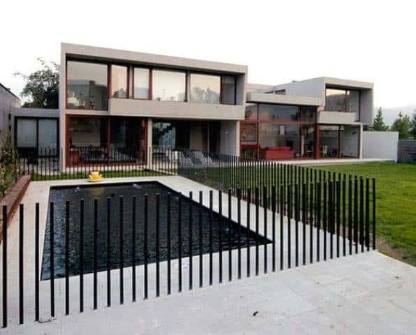 Impressive Modern Fence Ideas Metal Rods Around Pool