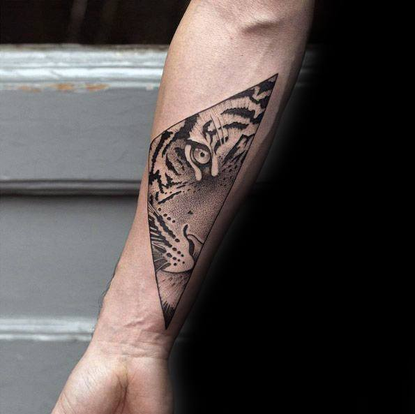 Incredible Geometric Tiger Tattoos For Men