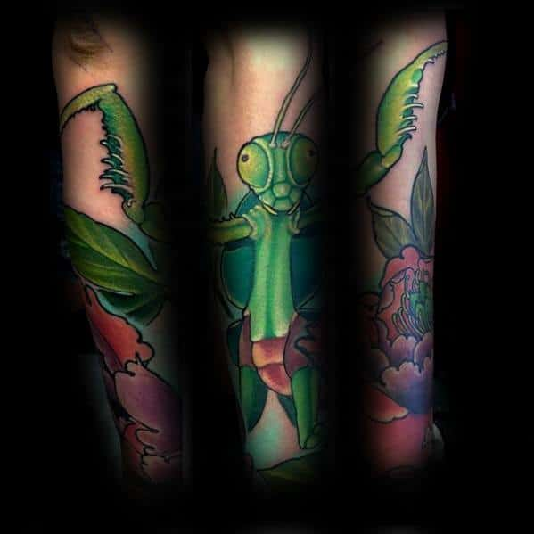 Incredible Praying Mantis Tattoos For Men