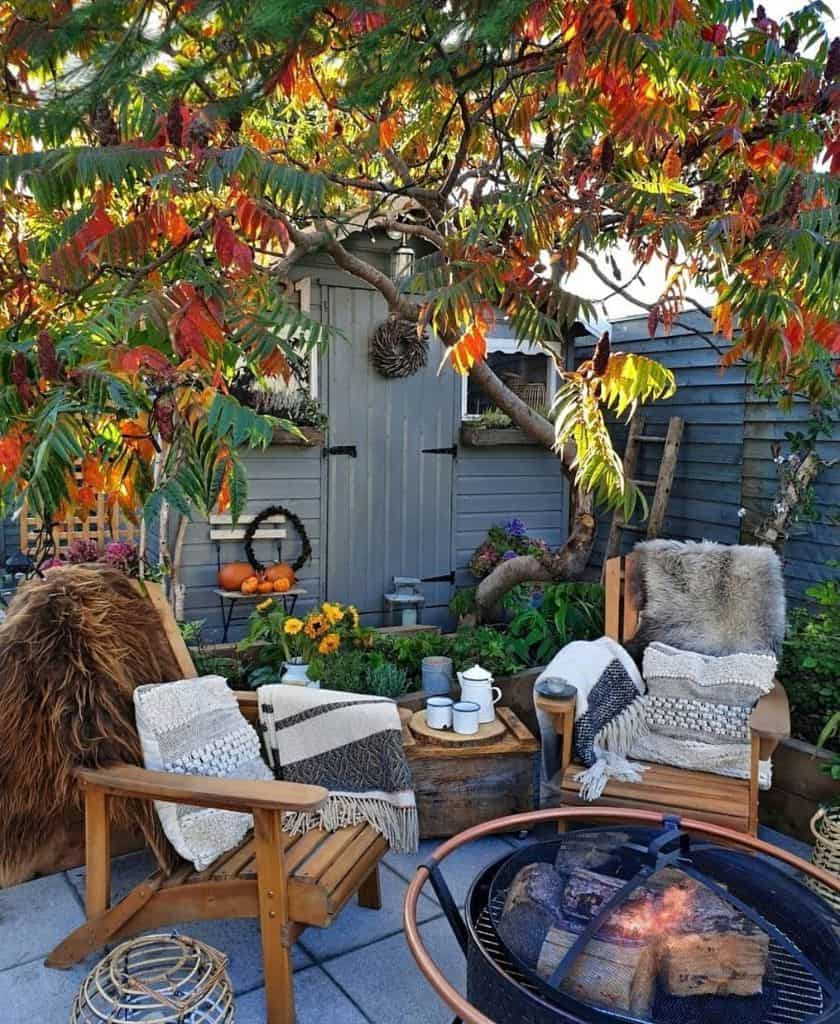 Inexpensive Small Patio Ideas 2 Sixat21