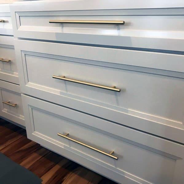 Interior Kitchen Cabinet Hardware Design