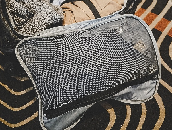 Interior Mesh Compartment Eagle Creek Morphus International Carry On Review